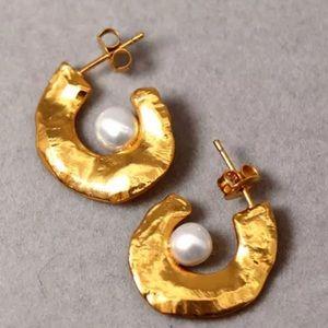 Pearl earrings / necklace